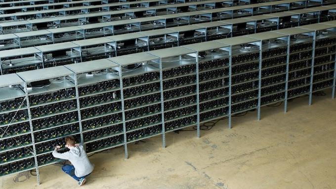 Компьютерная ферма для майнинга